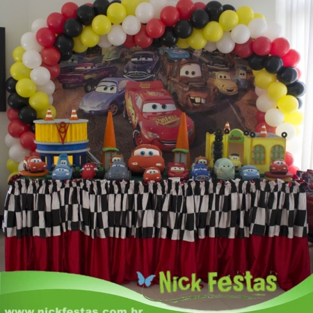 Mesa decorada infantil carros