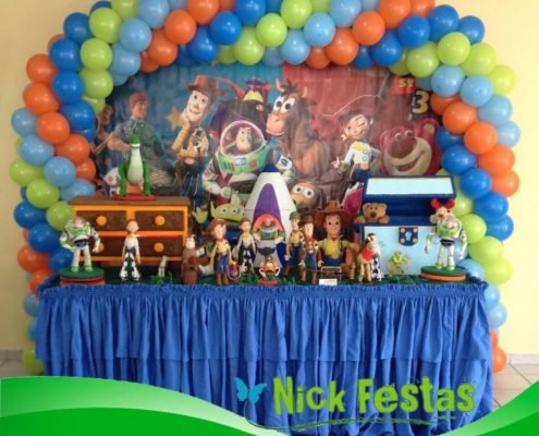 Mesa decorada infantil toy story